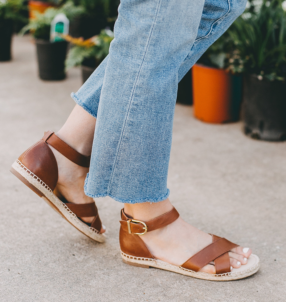 olivia-watson-austin-texas-fashion-lifestyle-blogger-plant-flower-shop-sole-society-espadrille-sandals-6