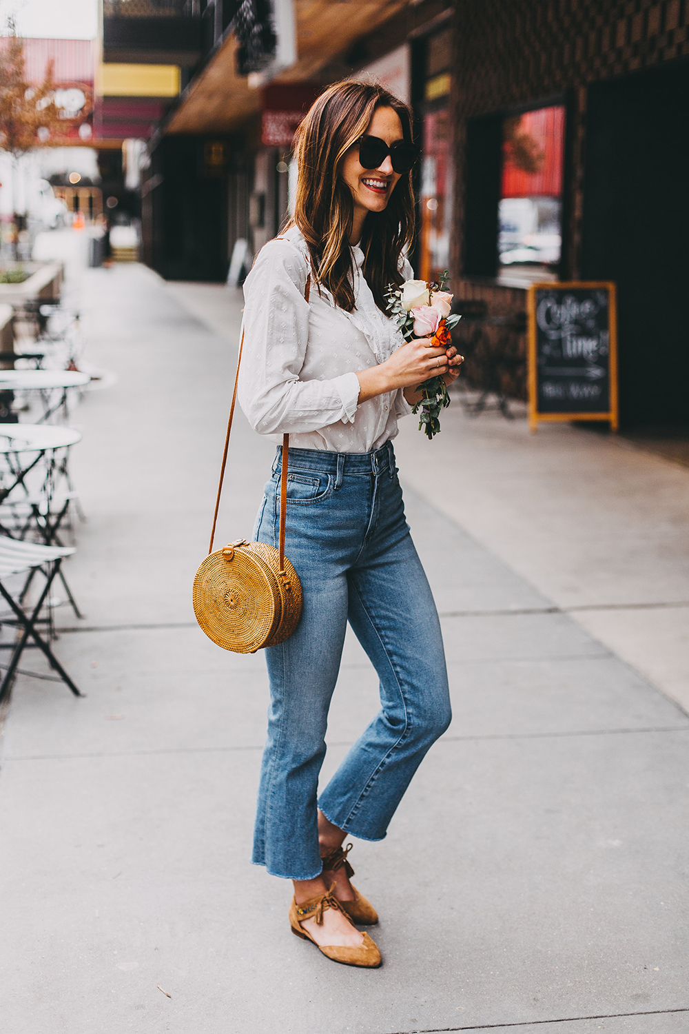 livvyland-blog-olivia-watson-austin-texas-fashion-style-blogger-sezane-white-eyelet-blouse-kick-flare-jeans-simple-spring-outfit-11