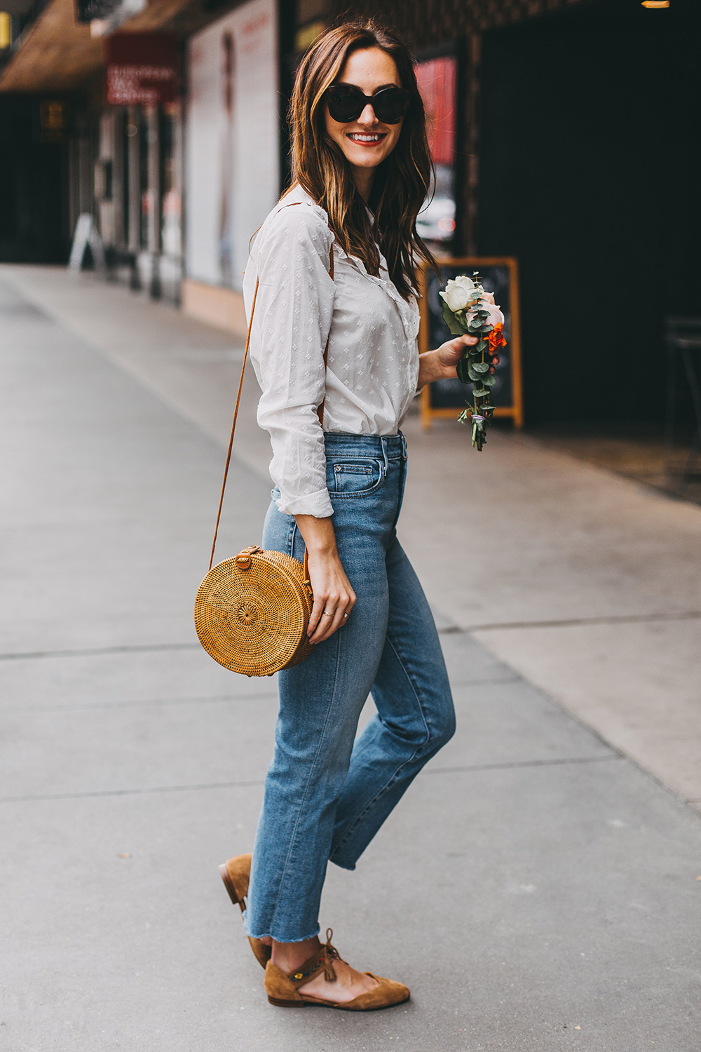 livvyland-blog-olivia-watson-austin-texas-fashion-style-blogger-sezane-white-eyelet-blouse-kick-flare-jeans-simple-spring-outfit-12