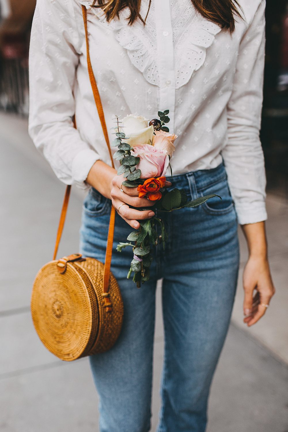 livvyland-blog-olivia-watson-austin-texas-fashion-style-blogger-sezane-white-eyelet-blouse-kick-flare-jeans-simple-spring-outfit-5