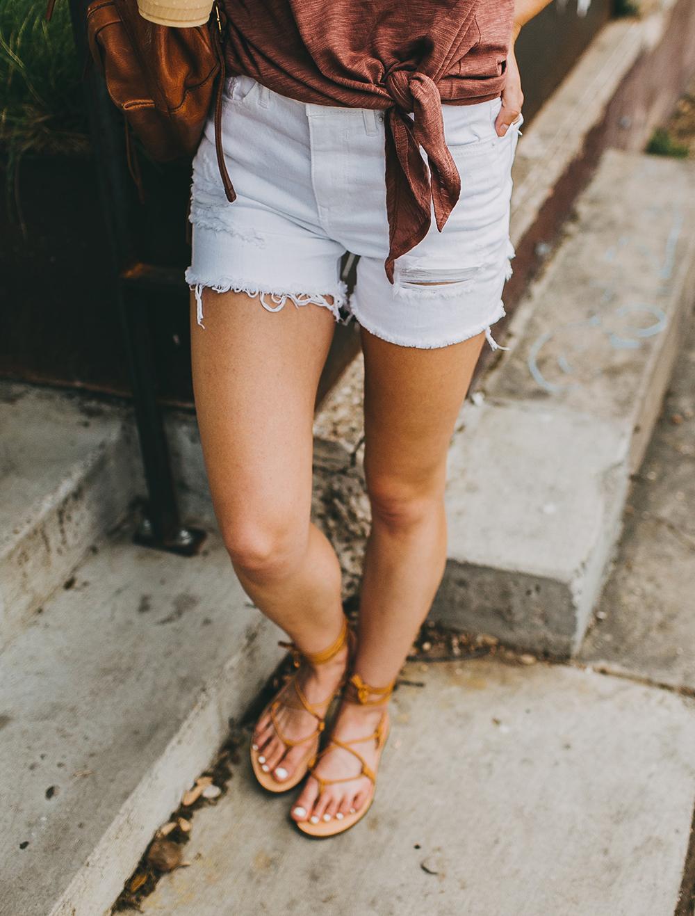 livvyland-blog-olivia-watson-express-one-eleven-knot-front-v-neck-tee-austin-texas-fashion-blogger-5
