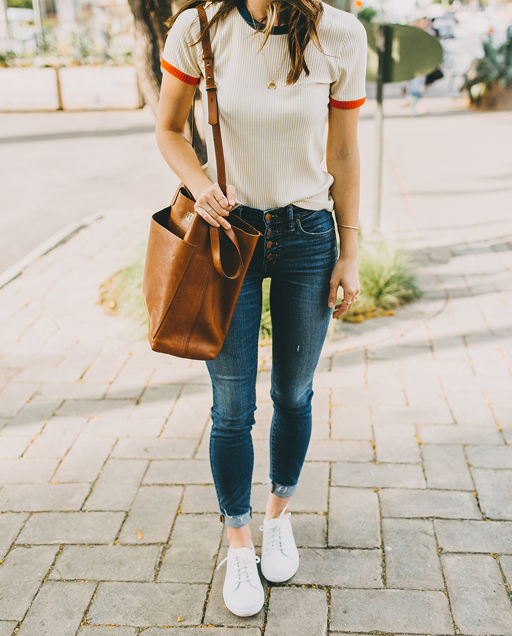 livvyland-blog-olivia-watson-fit-flop-white-leather-sneakers-outfit-3