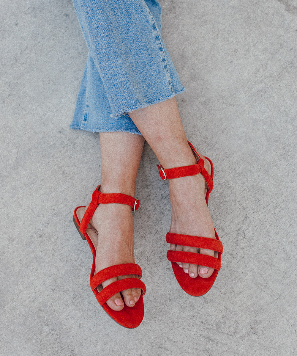 livvyland-blog-olivia-watson-sole-society-red-sandal-flats-spring-summer-outfit-idea-style-austin-texas-fashion-blogger-striped-shirt-5