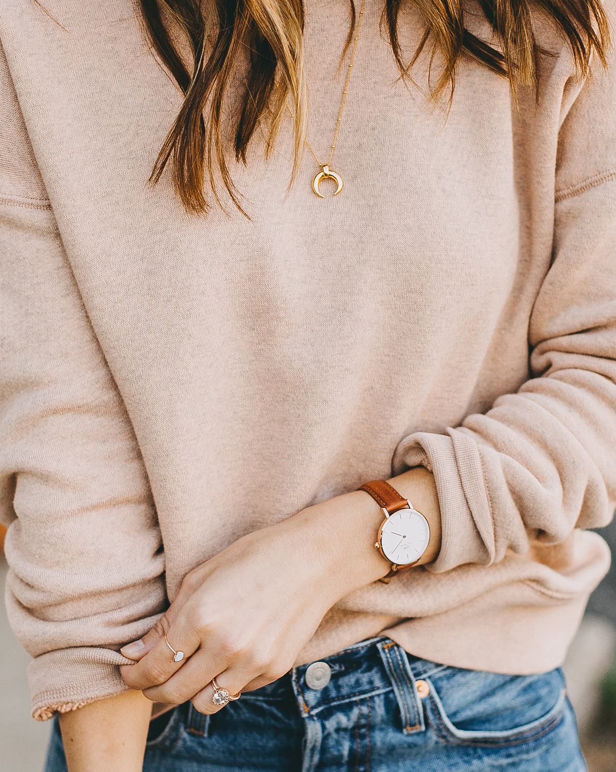 livvyland-blog-olivia-watson-austin-texas-fashion-blogger-madewell-peach-sweatshirt-medium-transport-tote-levis-501-jeans-12