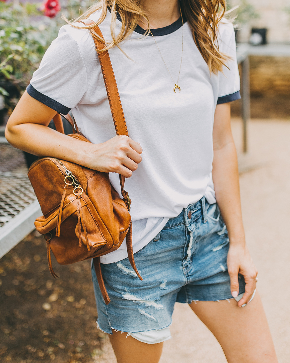 livvyland-blog-olivia-watson-austin-texas-fashion-blogger-natural-gardener-tee-boyfriend-shorts-denim-cutoffs-madewell-mini-lorimer-backpack-treasure-bond-nordstrom-6