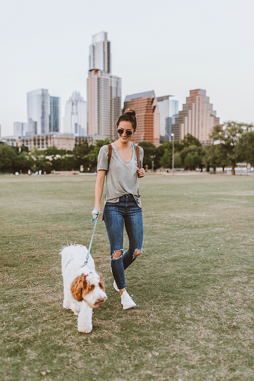 livvyland-blog-olivia-watson-austin-texas-fashion-blogger-nike-fly-knit-beige-auditorium-shores-2