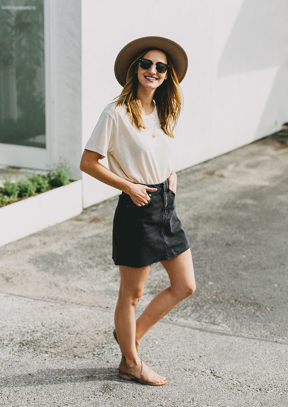 livvyland-blog-olivia-watson-austin-texas-fashion-lifestyle-blogger-black-denim-mini-skirt-urban-outfitters-boyfriend-tee-10