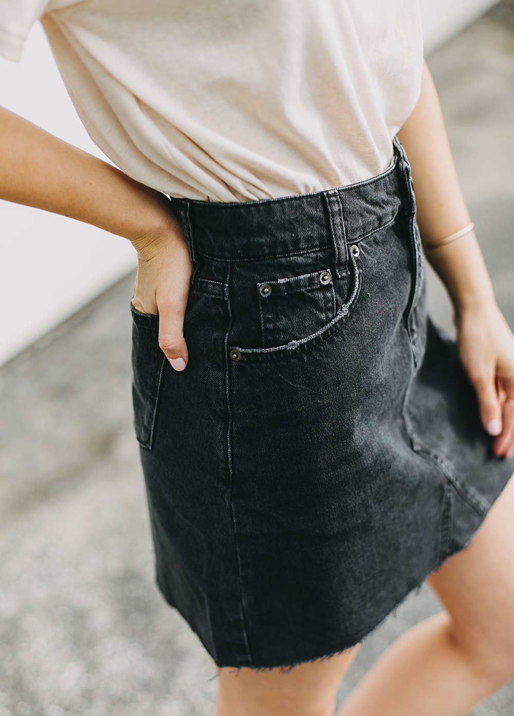 livvyland-blog-olivia-watson-austin-texas-fashion-lifestyle-blogger-black-denim-mini-skirt-urban-outfitters-boyfriend-tee-4