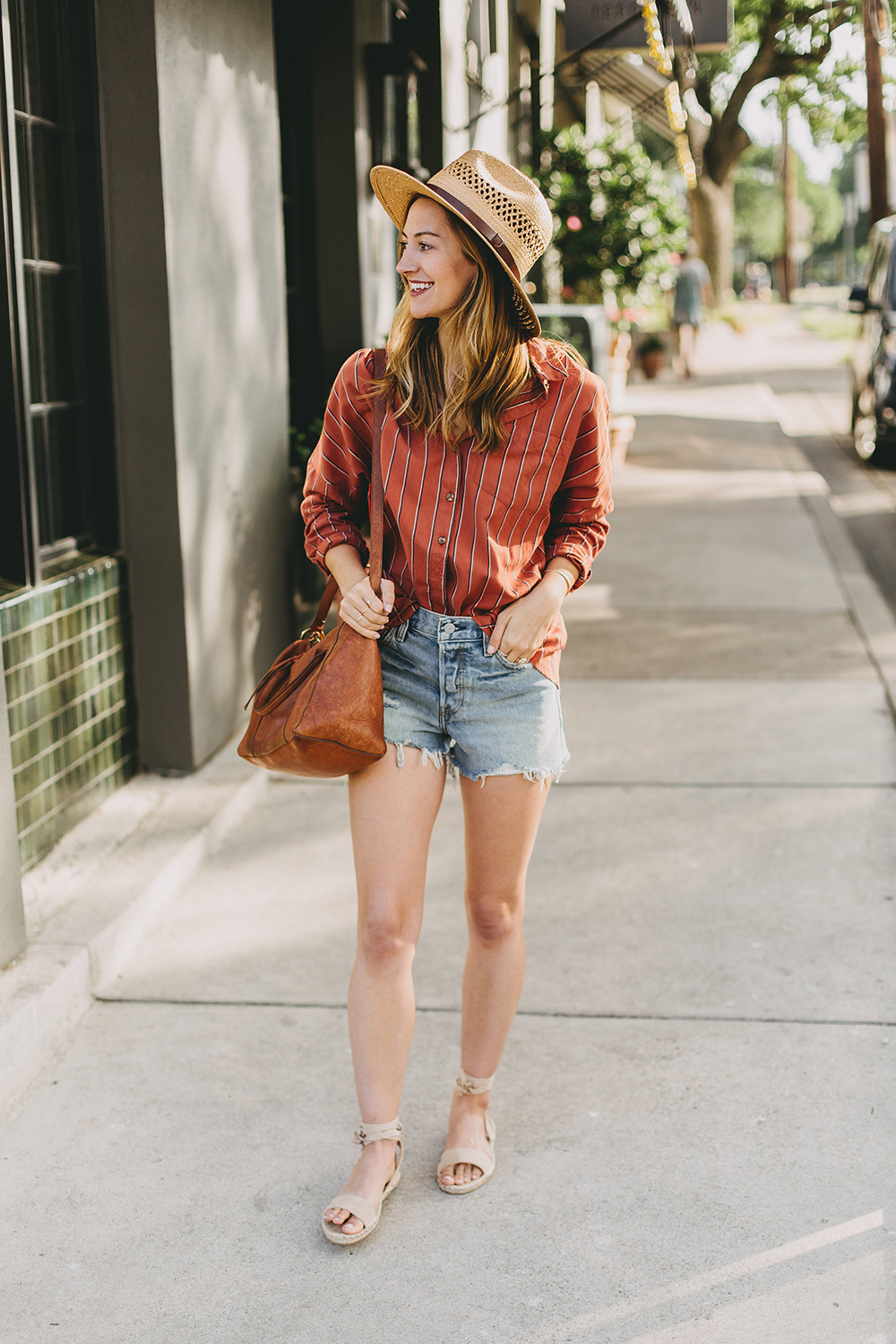 livvyland-blog-olivia-watson-austin-texas-fashion-style-blogger-urban-outfitters-levis-denim-wedgie-short-out-the-blue-brixton-straw-case-fedora-1
