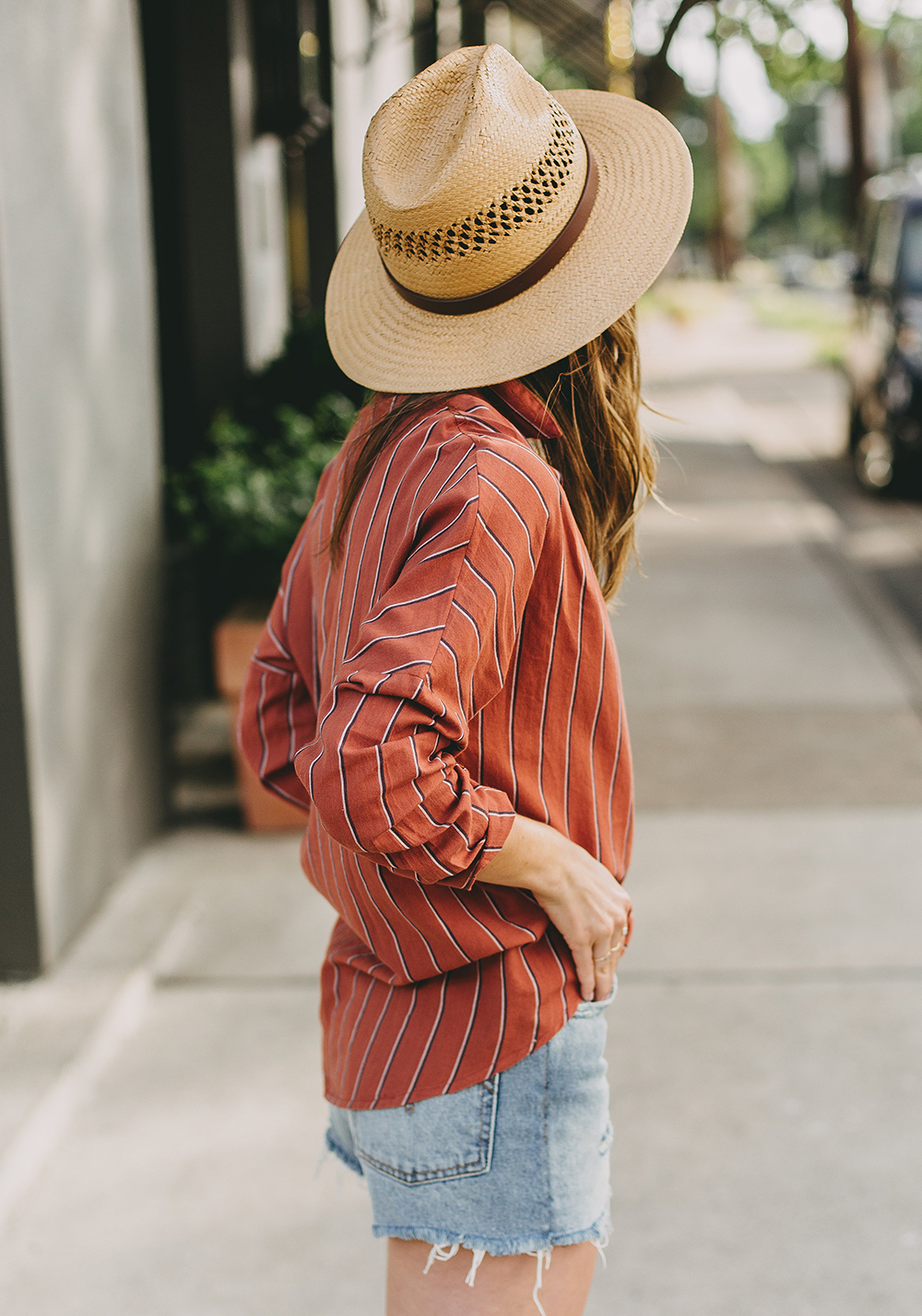 livvyland-blog-olivia-watson-austin-texas-fashion-style-blogger-urban-outfitters-levis-denim-wedgie-short-out-the-blue-brixton-straw-case-fedora-3