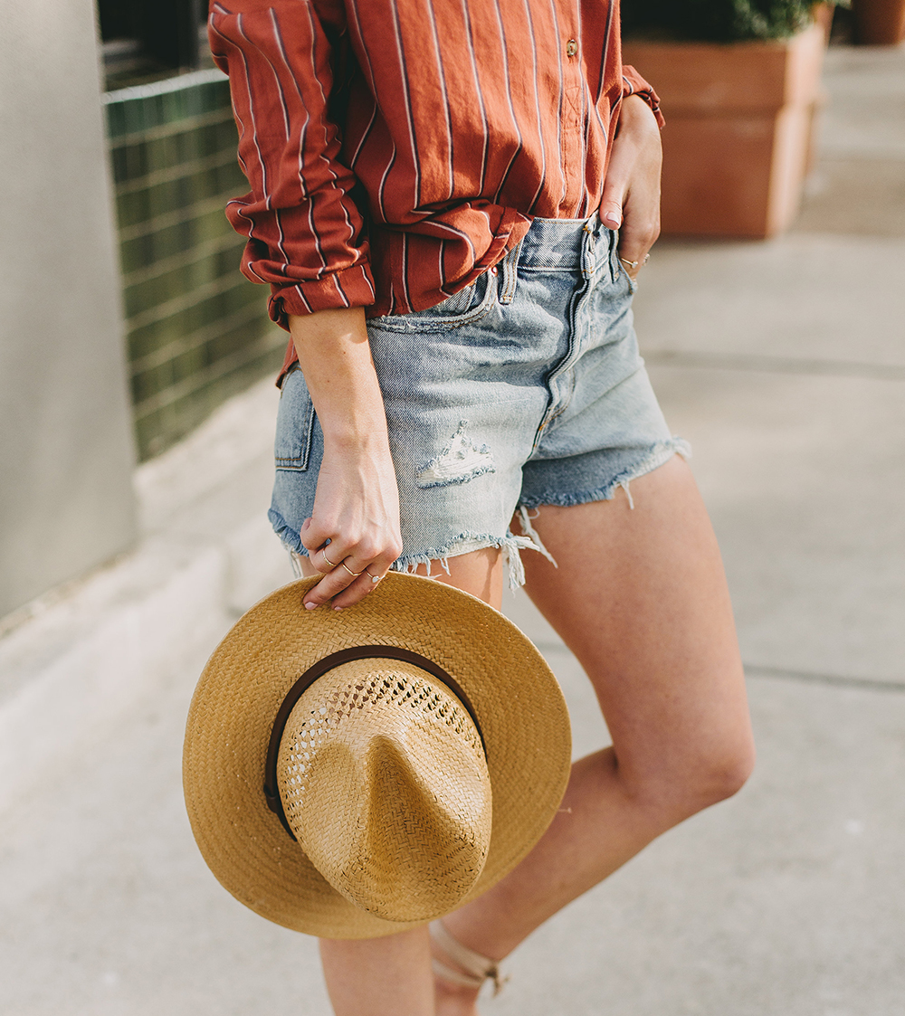 livvyland-blog-olivia-watson-austin-texas-fashion-style-blogger-urban-outfitters-levis-denim-wedgie-short-out-the-blue-brixton-straw-case-fedora-6