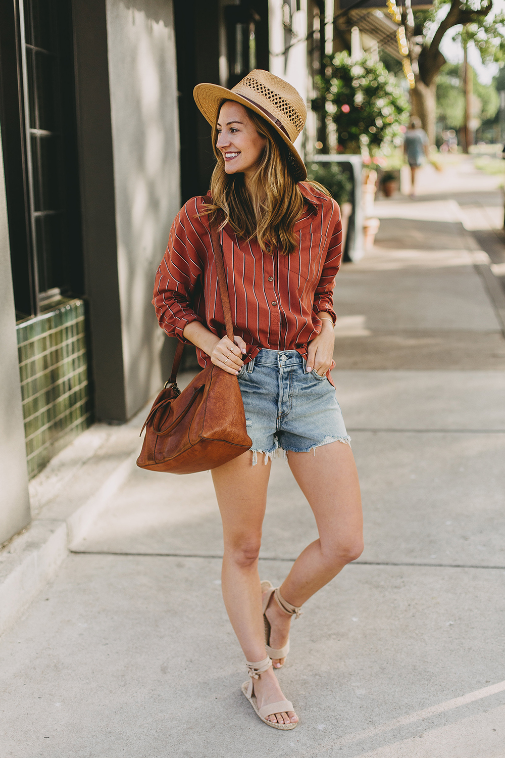 livvyland-blog-olivia-watson-austin-texas-fashion-style-blogger-urban-outfitters-levis-denim-wedgie-short-out-the-blue-brixton-straw-case-fedora-7