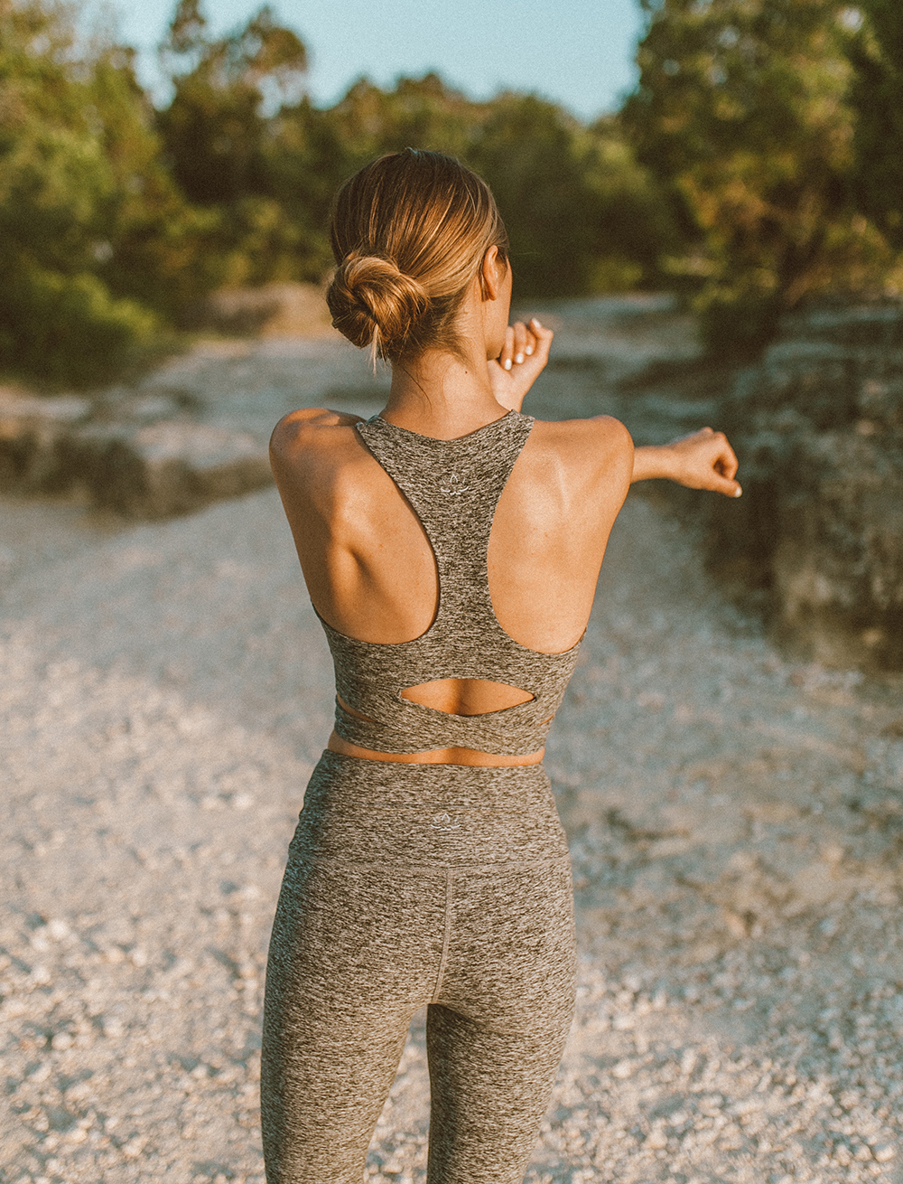livvyland-blog-olivia-watson-austin-texas-mount-bonnell-yoga-backcountry-beyond-yoga-spacedye-leggings-sports-bra-7