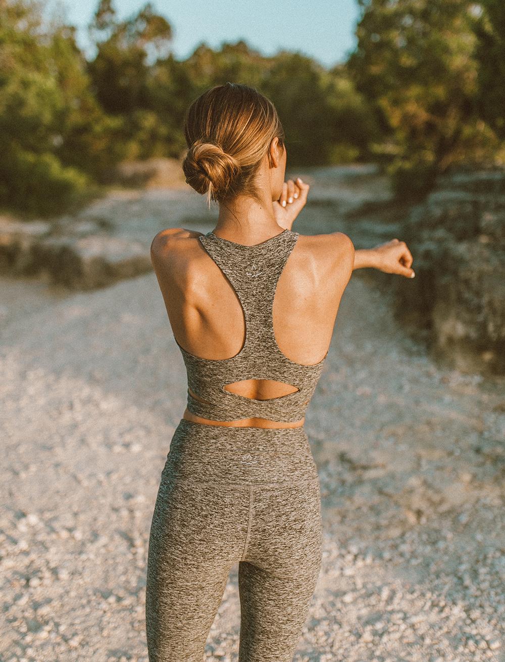 livvyland-blog-olivia-watson-austin-texas-mount-bonnell-yoga-backcountry-beyond-yoga-spacedye-leggings-sports-bra-7