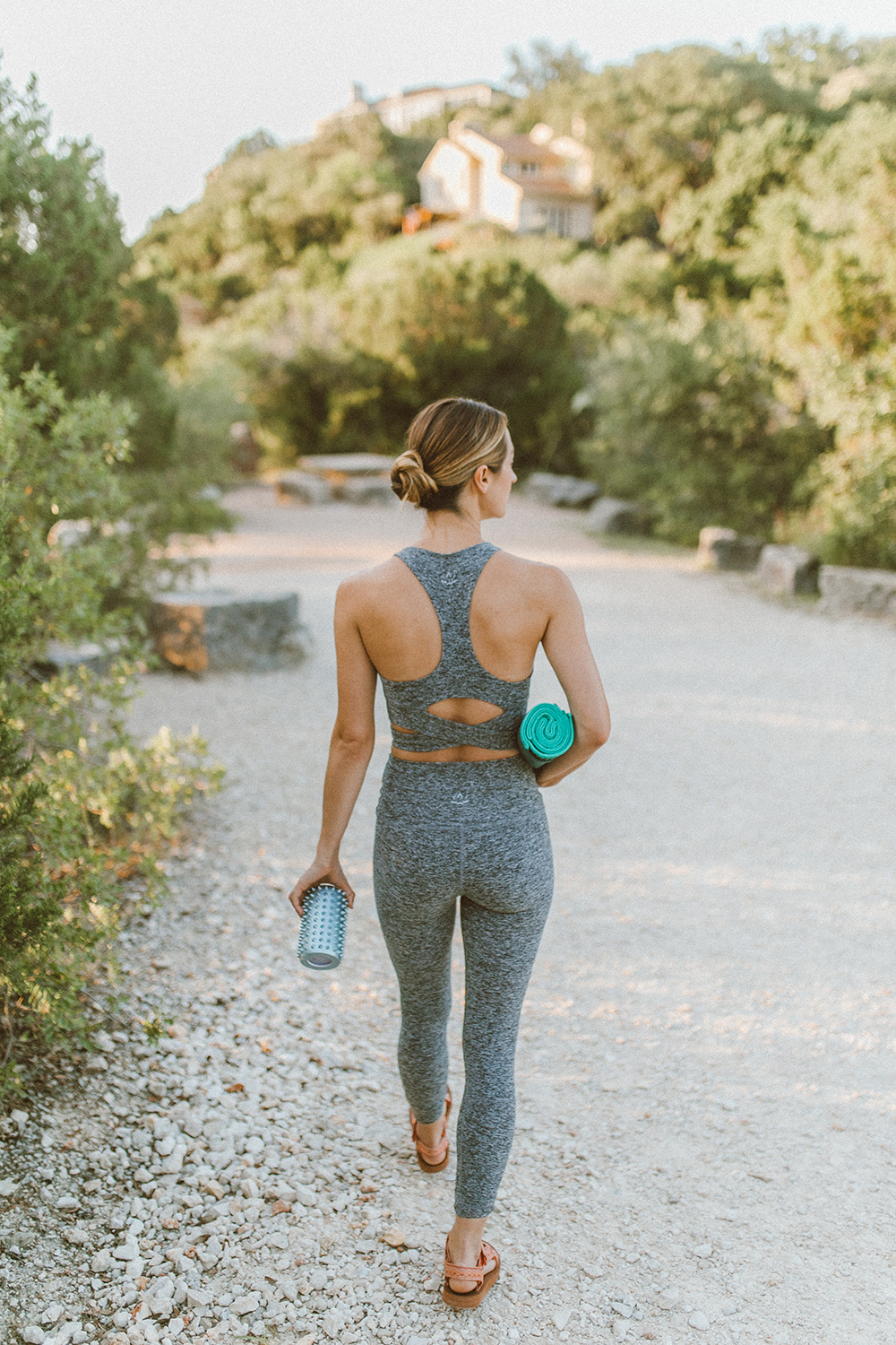 livvyland-blog-olivia-watson-austin-texas-mount-bonnell-yoga-backcountry-beyond-yoga-spacedye-leggings-teva-original-universal-sandal-3