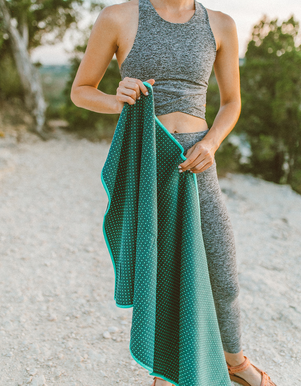 livvyland-blog-olivia-watson-austin-texas-mount-bonnell-yoga-backcountry-maduka-yogitoes-mat-towel