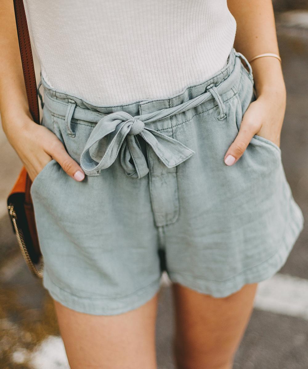 livvyland-blog-olivia-watson-austin-texas-style-blogger-abercrombie-linen-high-waist-tie-shorts-2