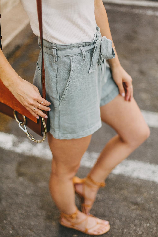 livvyland-blog-olivia-watson-austin-texas-style-blogger-abercrombie-linen-high-waist-tie-shorts-4