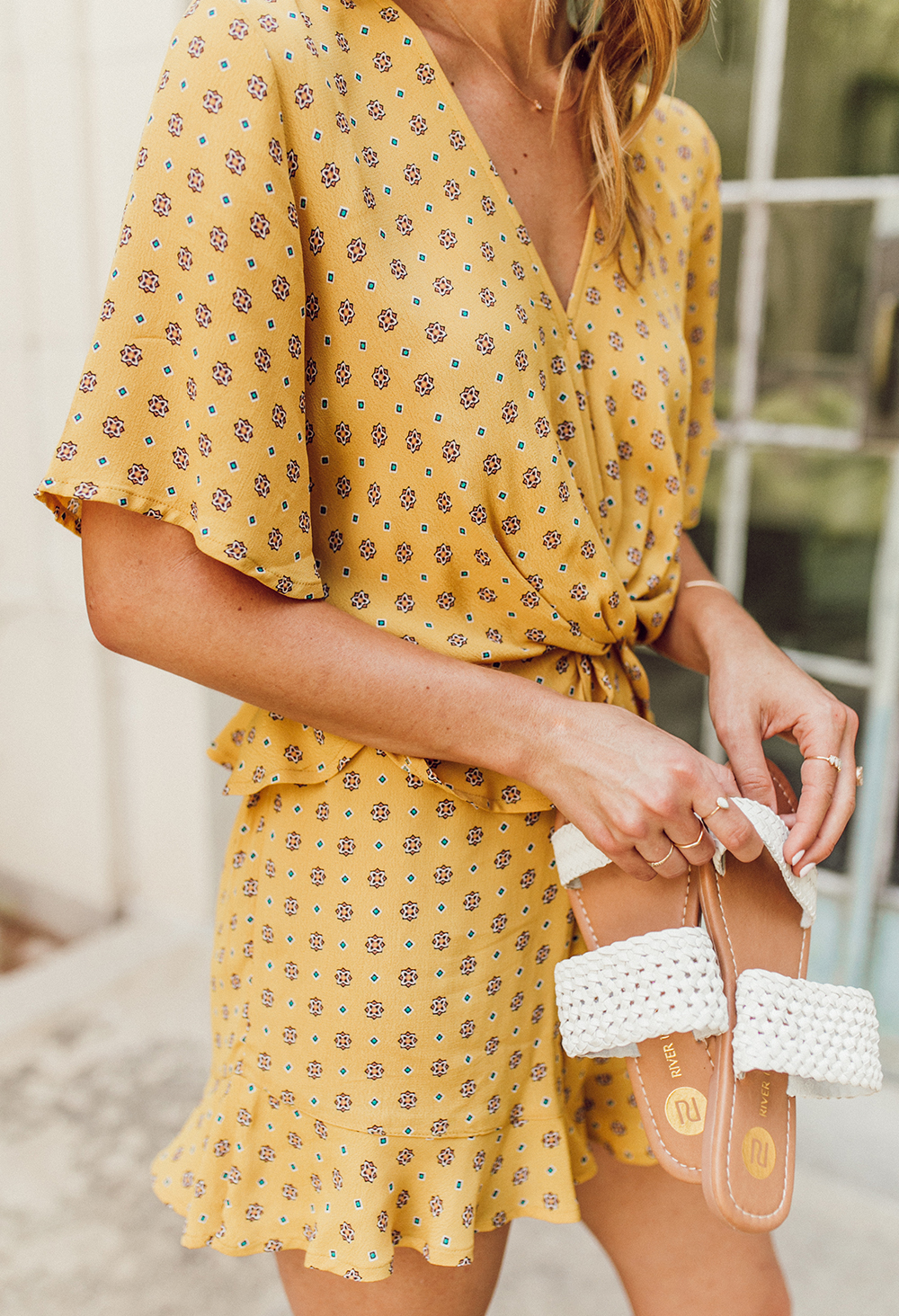 livvyland-blog-olivia-watson-austin-texas-fashion-lifestyle-blogger-river-island-floral-print-yellow-knot-front-romper-summer-occasion-outfit-idea-3