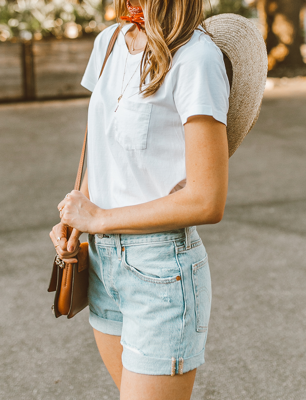livvyland blog olivia watson austin texas fashion style blogger what to wear levis denim shorts festival outfit idea 12 - Summer time In Levi's