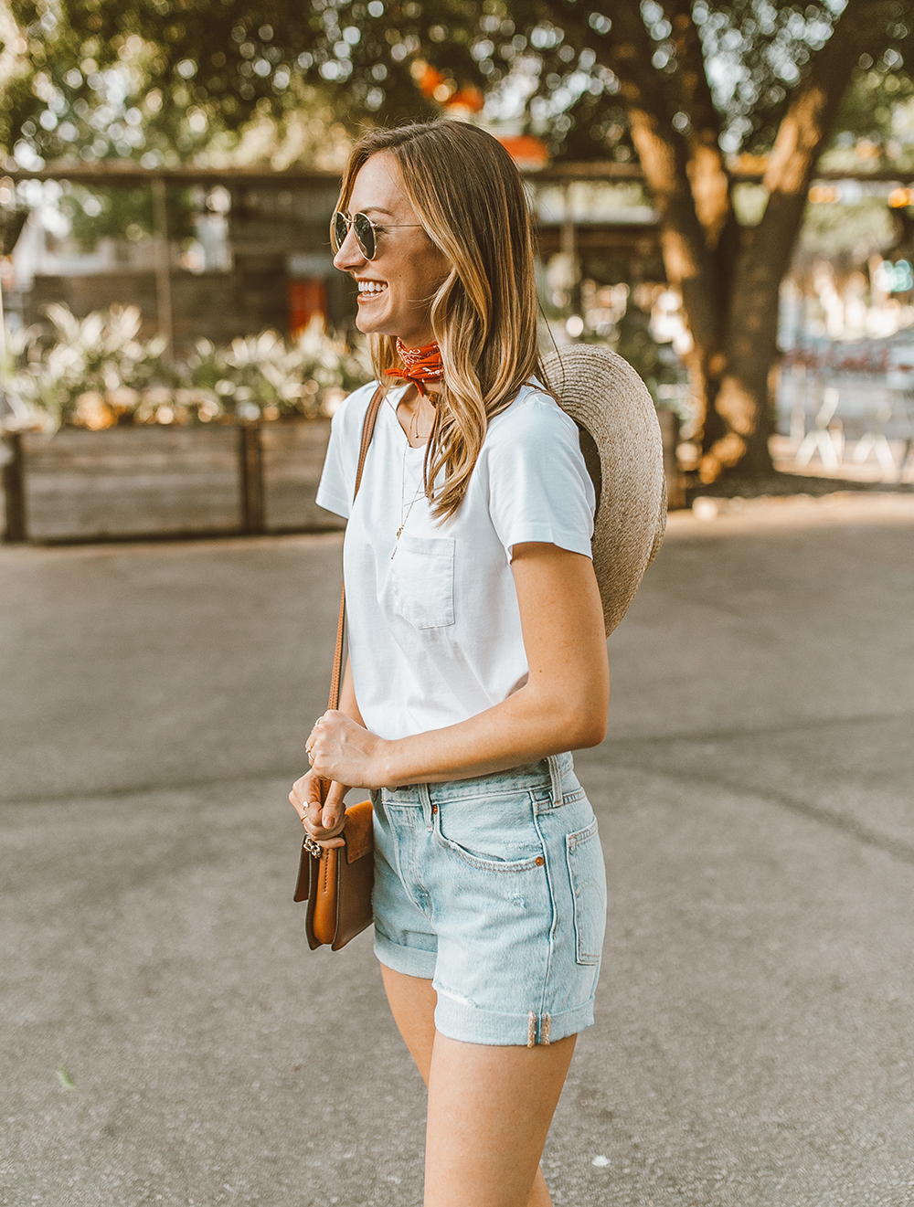 livvyland blog olivia watson austin texas fashion style blogger what to wear levis denim shorts festival outfit idea 2 - Summer time In Levi's