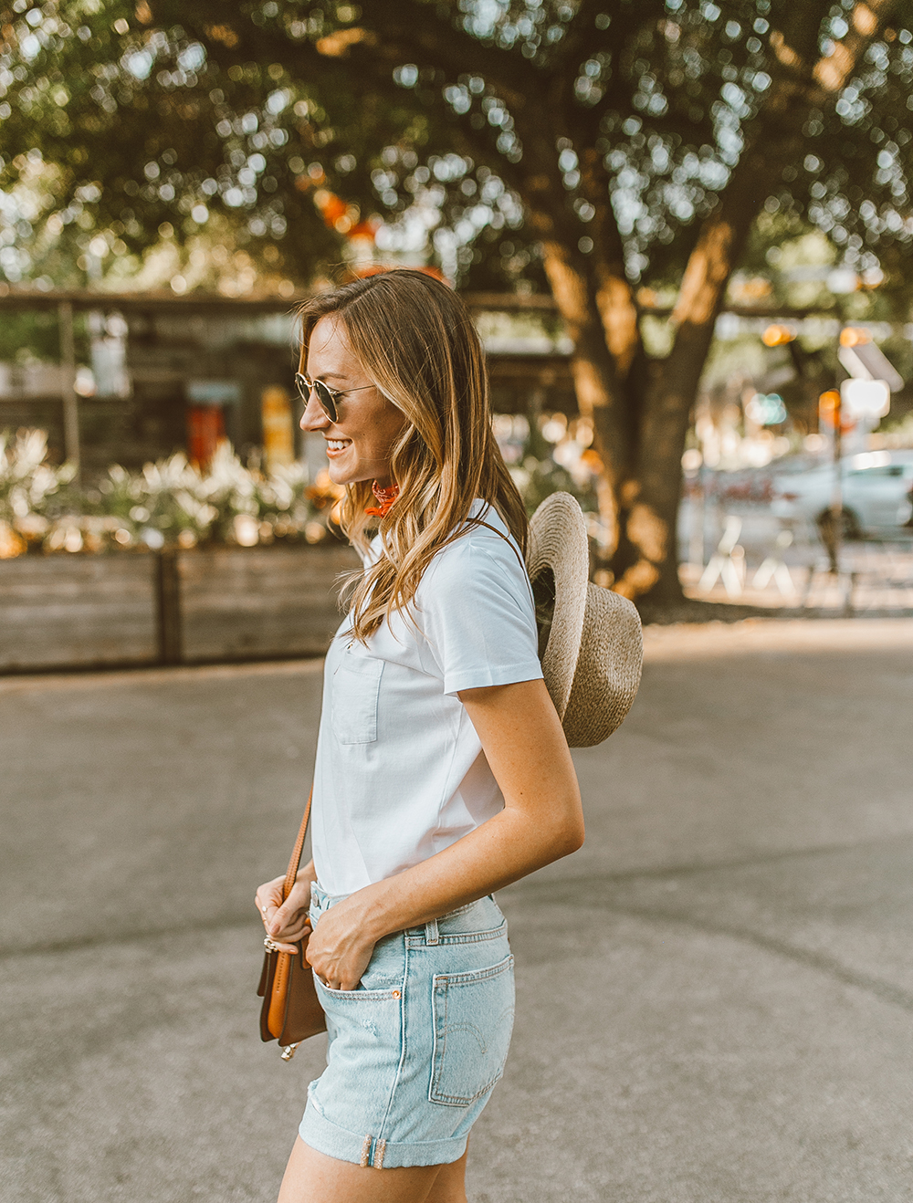 livvyland blog olivia watson austin texas fashion style blogger what to wear levis denim shorts festival outfit idea 3 - Summer time In Levi's