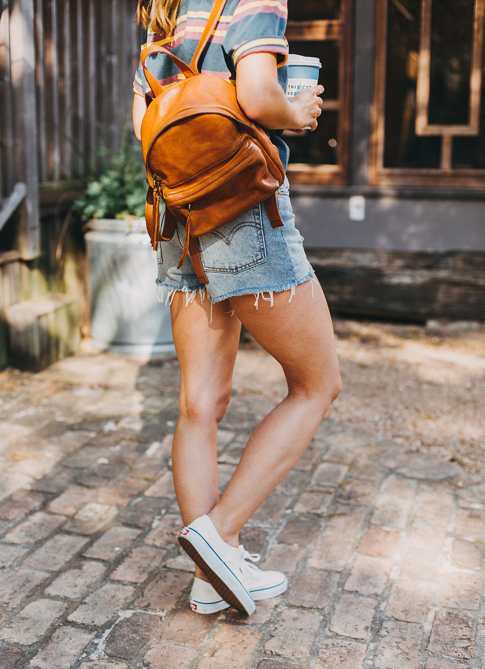 livvyland-blog-olivia-watson-austin-texas-fashion-style-urban-outfitters-striped-vintage-tee-levis-denim-wedgie-shorts-madewell-mini-leather-backpack-2