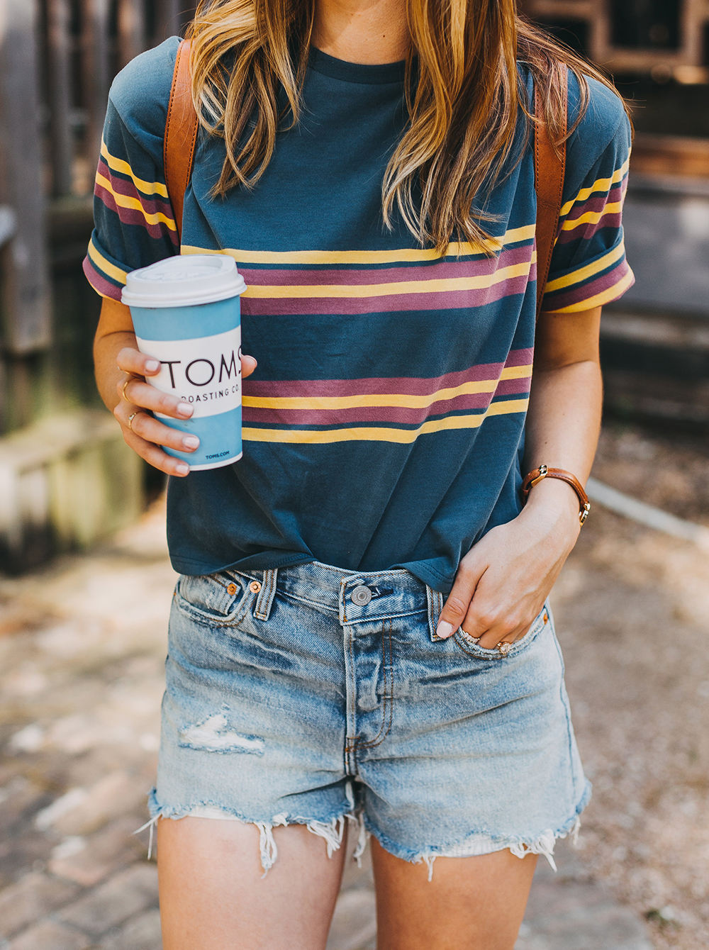 livvyland-blog-olivia-watson-austin-texas-fashion-style-urban-outfitters-striped-vintage-tee-levis-denim-wedgie-shorts-madewell-mini-leather-backpack-6