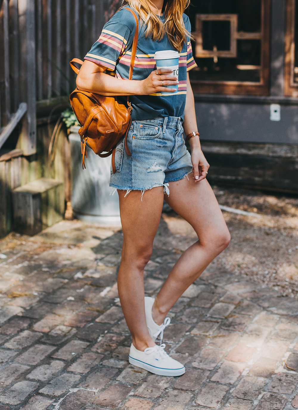 livvyland-blog-olivia-watson-austin-texas-fashion-style-urban-outfitters-striped-vintage-tee-levis-denim-wedgie-shorts-madewell-mini-leather-backpack-7