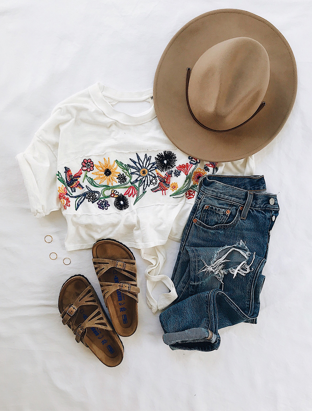 livvyland-blog-olivia-watson-austin-texas-lifestyle-blogger-free-people-garden-embroidered-crop-top-tee-birkenstock-granada-sandals