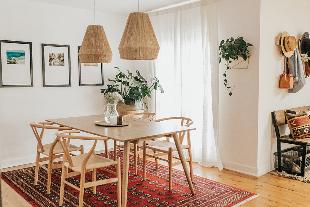 livvyland-blog-olivia-watson-austin-texas-lifestyle-blogger-modern-bohemian-bungalow-dining-room-kitchen-2