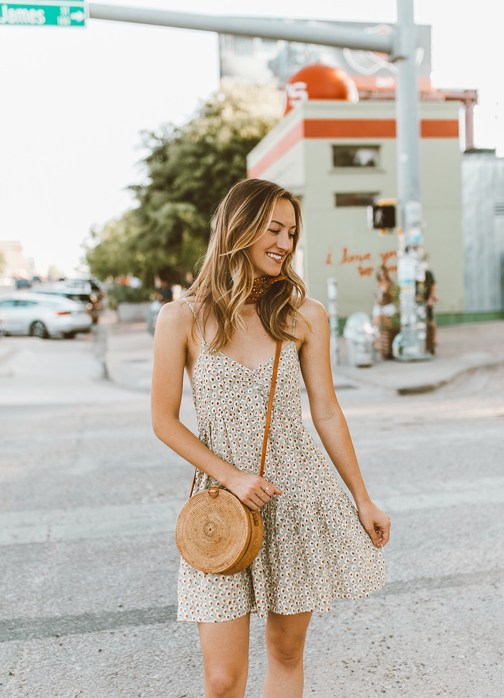 livvyland-blog-olivia-watson-south-congress-i-love-you-so-much-mural-urban-outfitters-harper-babydoll-floral-tie-back-dress-bandana-neck-1