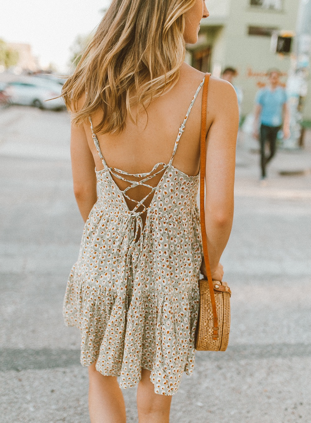 livvyland-blog-olivia-watson-south-congress-i-love-you-so-much-mural-urban-outfitters-harper-babydoll-floral-tie-back-dress-bandana-neck-2