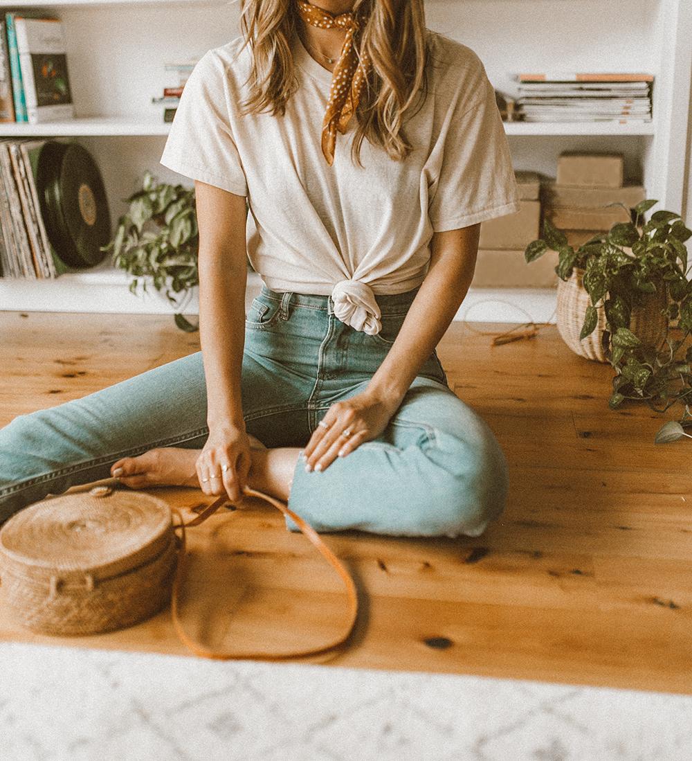 livvyland-blog-olivia-watson-urban-outfitters-boyfriend-oversize-tee-shirt-everlane-jeans