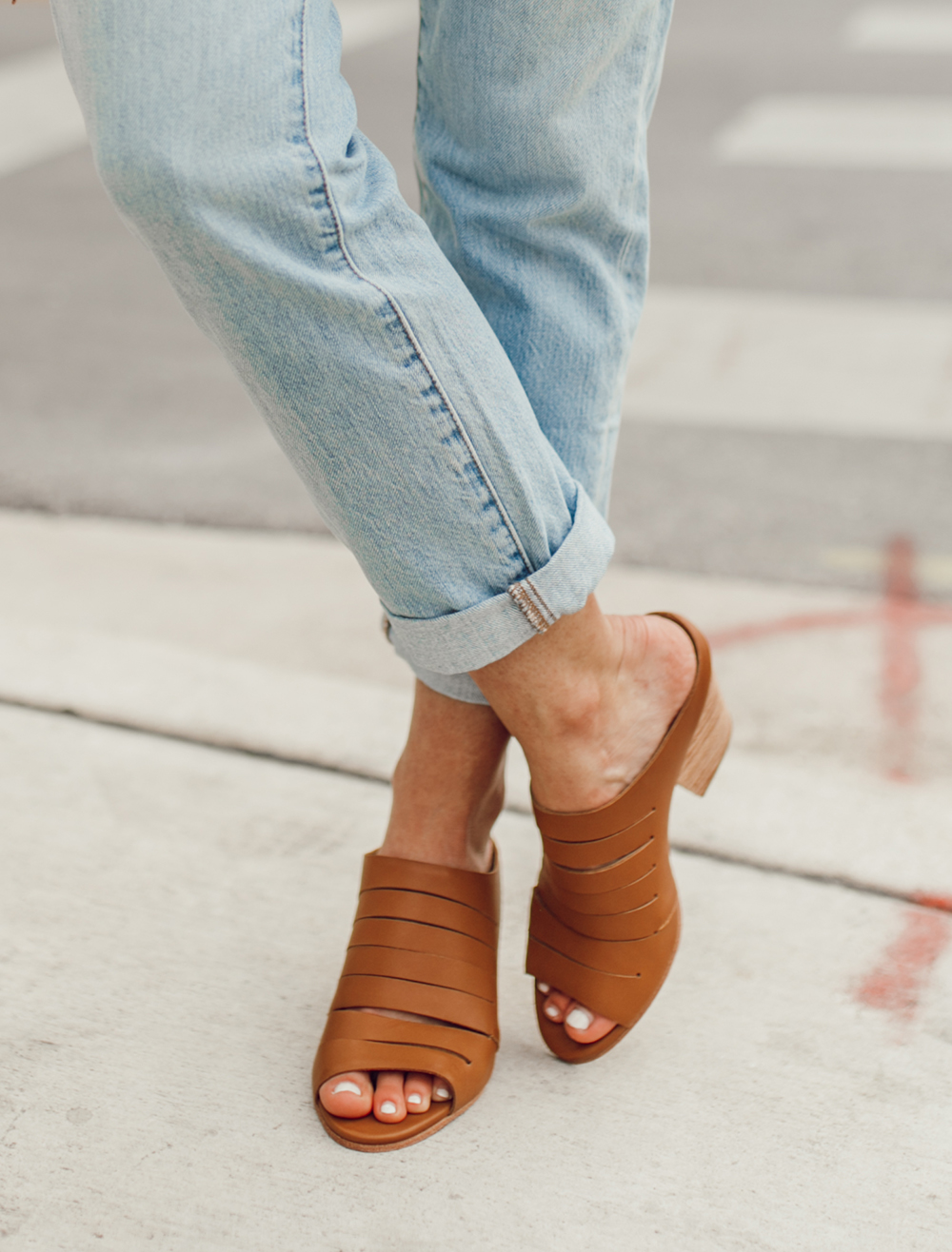 livvland-blog-olivia-watson-austin-texas-fashion-lifestyle-blogger-fortress-of-ince-gaby-tan-leather-mules