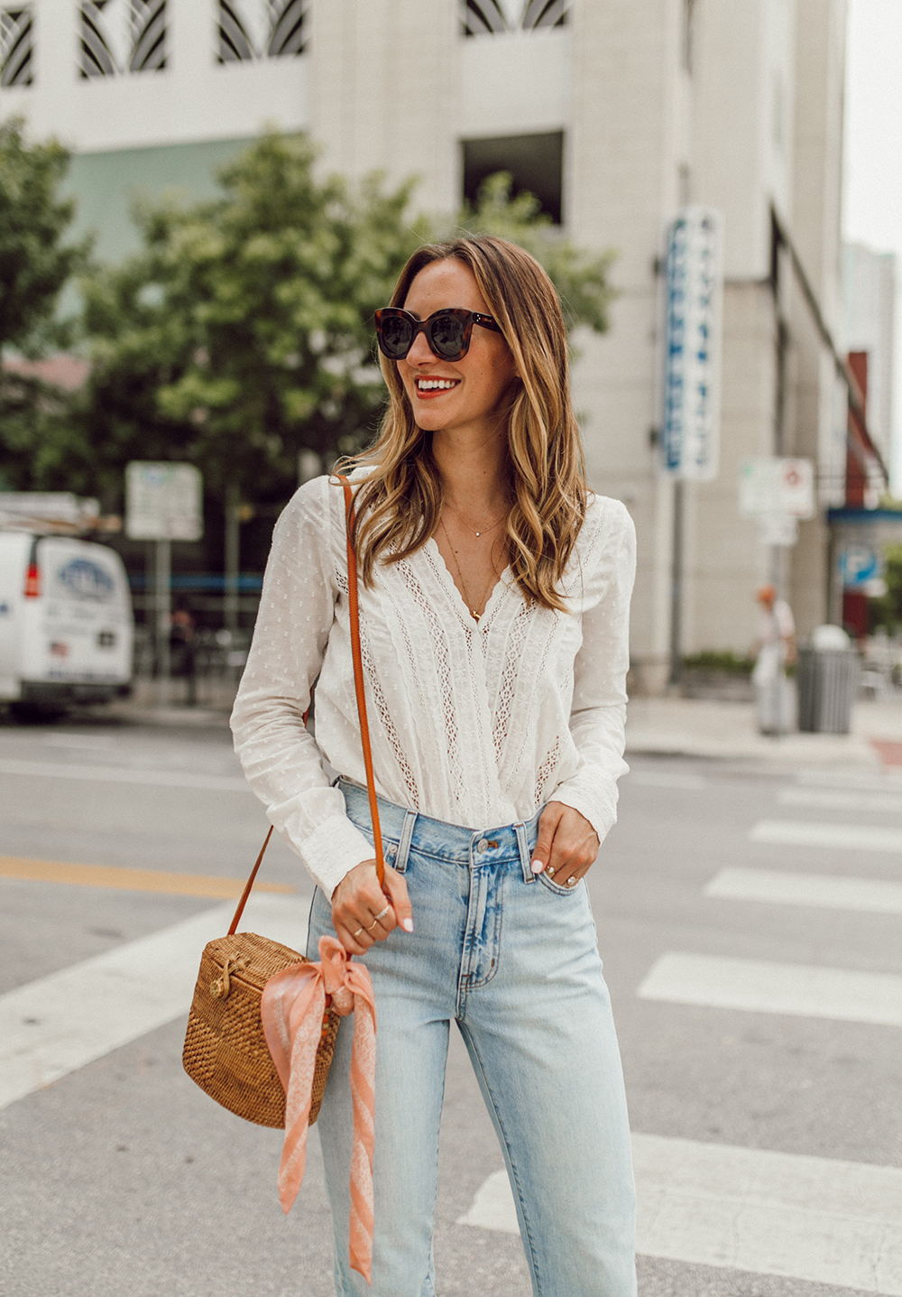 livvland-blog-olivia-watson-austin-texas-fashion-lifestyle-blogger-sezane-lace-deep-v-top-rattan-bag-madewell-summer-jeans-11