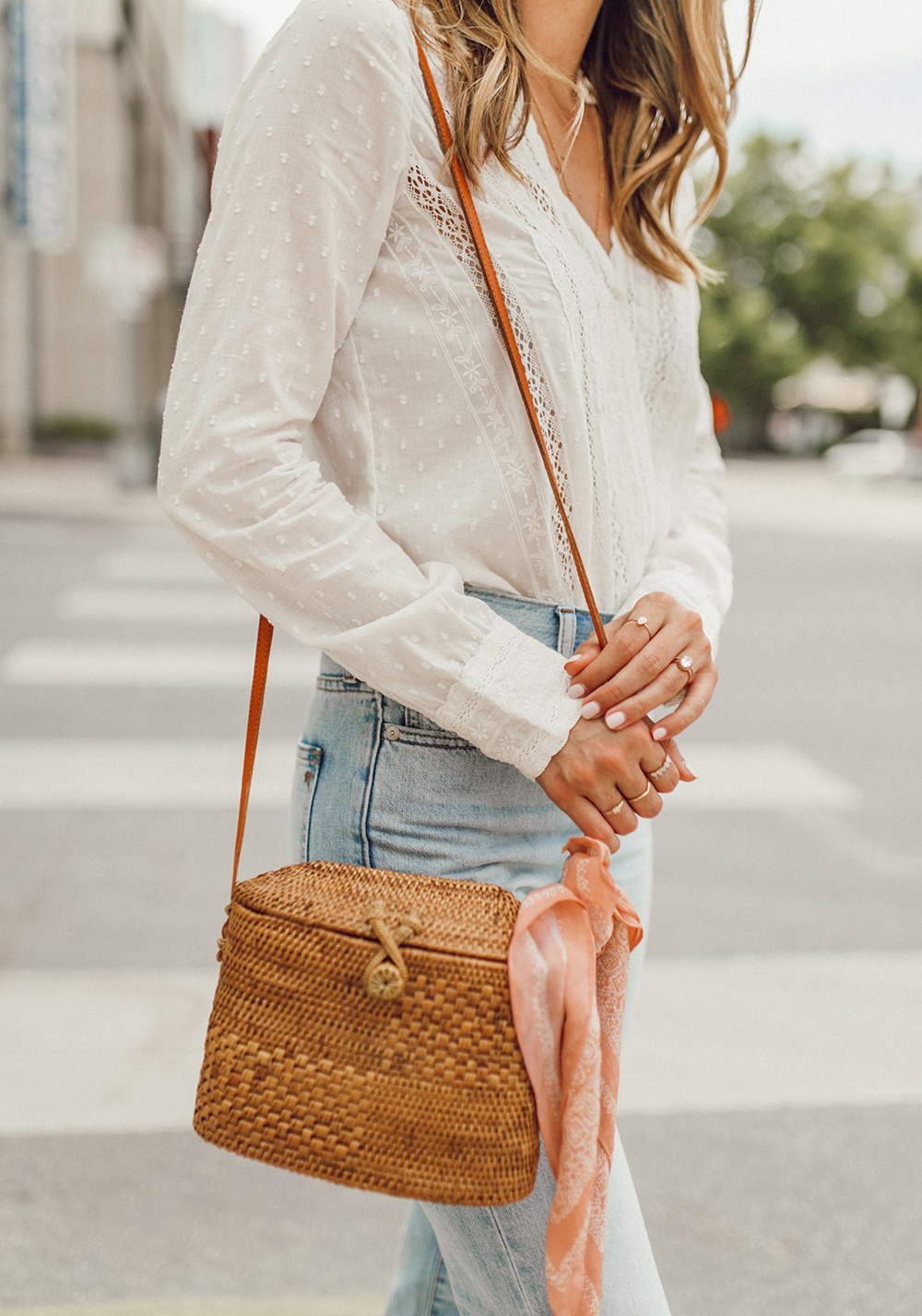 livvland-blog-olivia-watson-austin-texas-fashion-lifestyle-blogger-sezane-lace-deep-v-top-rattan-bag-madewell-summer-jeans-7