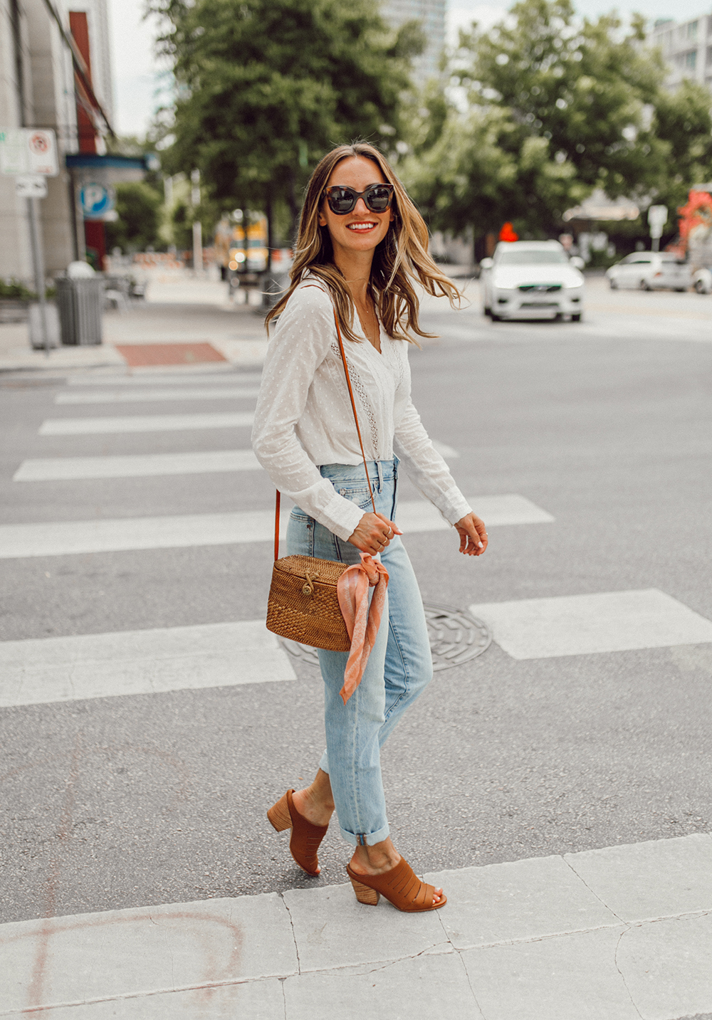 livvland-blog-olivia-watson-austin-texas-fashion-lifestyle-blogger-sezane-lace-deep-v-top-rattan-bag-madewell-summer-jeans-8