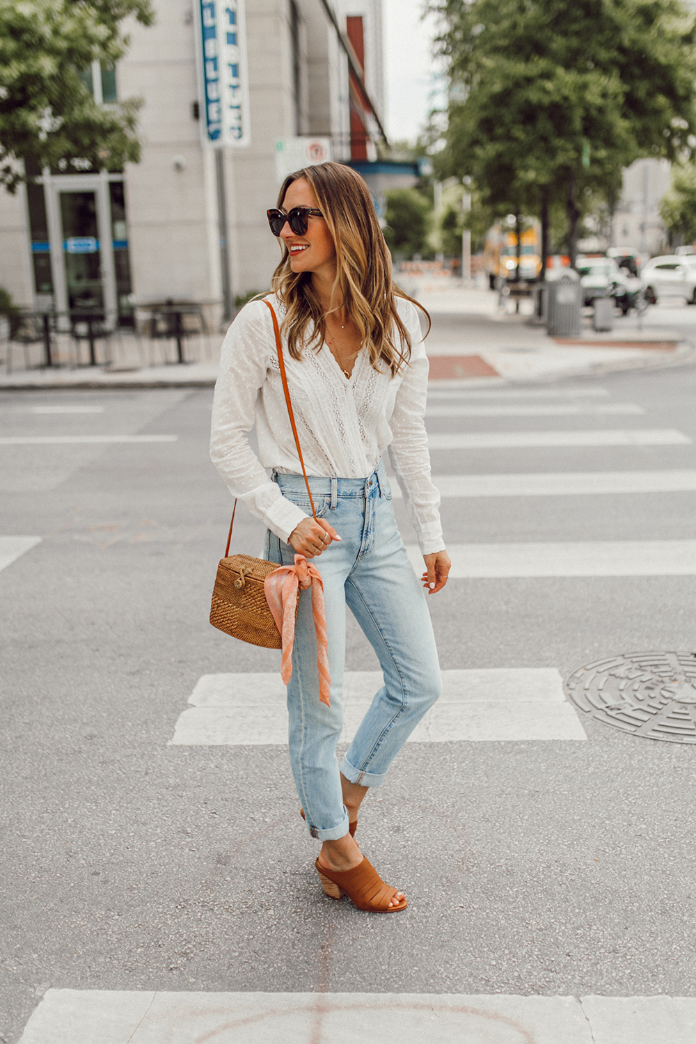 livvland-blog-olivia-watson-austin-texas-fashion-lifestyle-blogger-sezane-lace-deep-v-top-rattan-bag-madewell-summer-jeans-9