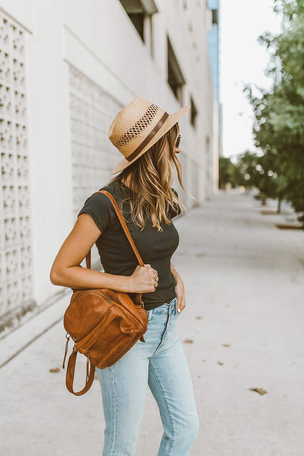 livvyland-blog-olivia-watson-austin-texas-fashion-style-blog-black-tee-jeans-outfit-madewell-mini-backpack-english-saddle-2