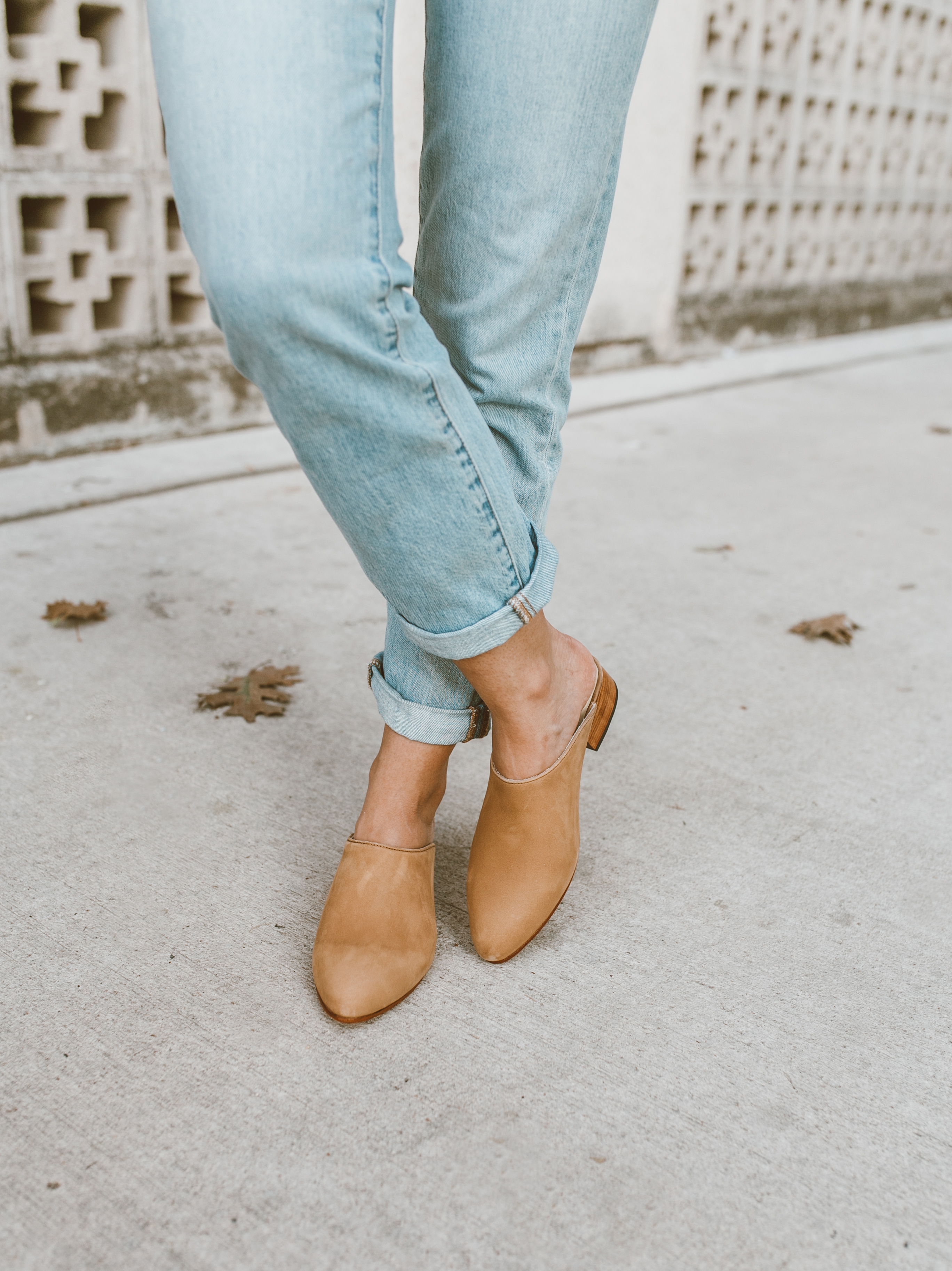 livvyland-blog-olivia-watson-austin-texas-fashion-style-blog-nisolo-tan-suede-mules-mariella-tee-jeans-outfit-1