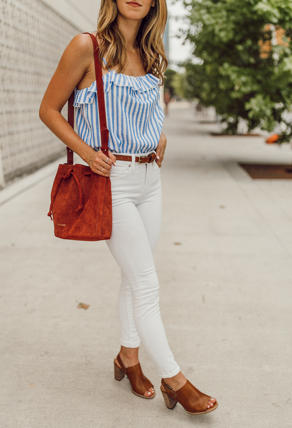 livvyland-blog-olivia-watson-austin-texas-fashion-style-blogger-madewell-white-jeans-sezane-cyrille-top-4th-of-july-outfit-idea-2