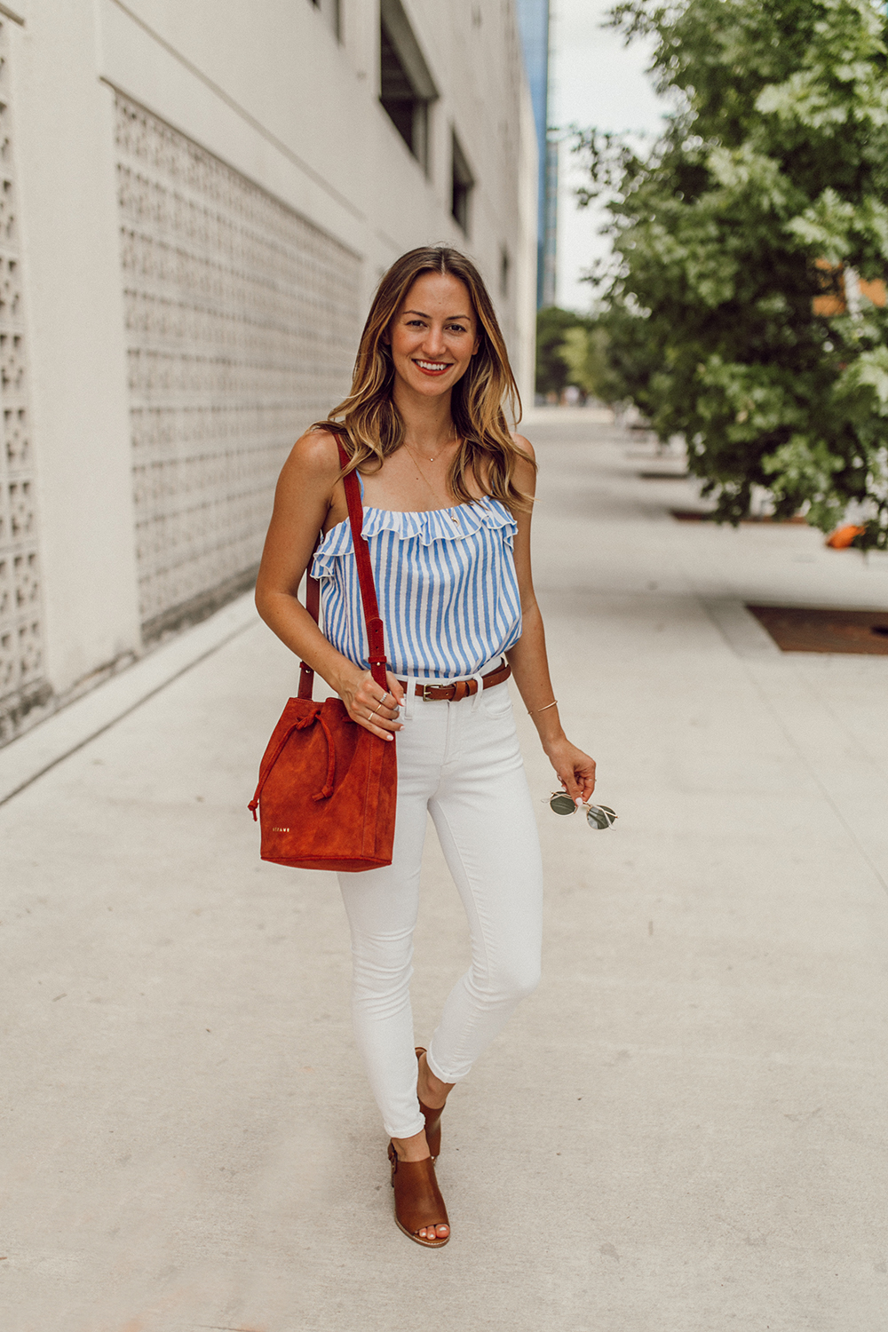 livvyland-blog-olivia-watson-austin-texas-fashion-style-blogger-madewell-white-jeans-sezane-cyrille-top-4th-of-july-outfit-idea-7