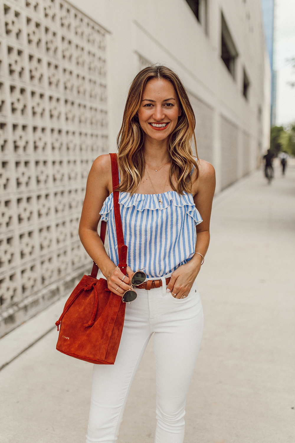 livvyland blog olivia watson austin texas fashion style blogger madewell white jeans sezane cyrille top 4th of july outfit idea 8 - Summer time Staple: White Denim