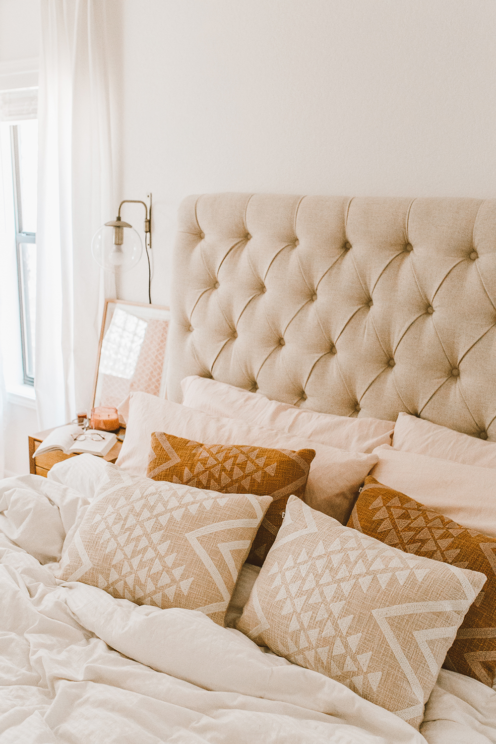 livvyland-blog-olivia-watson-austin-texas-lifestyle-blog-urban-outfitters-home-decor-bohemian-cozy-throw-pillows-bedroom-ideas-3