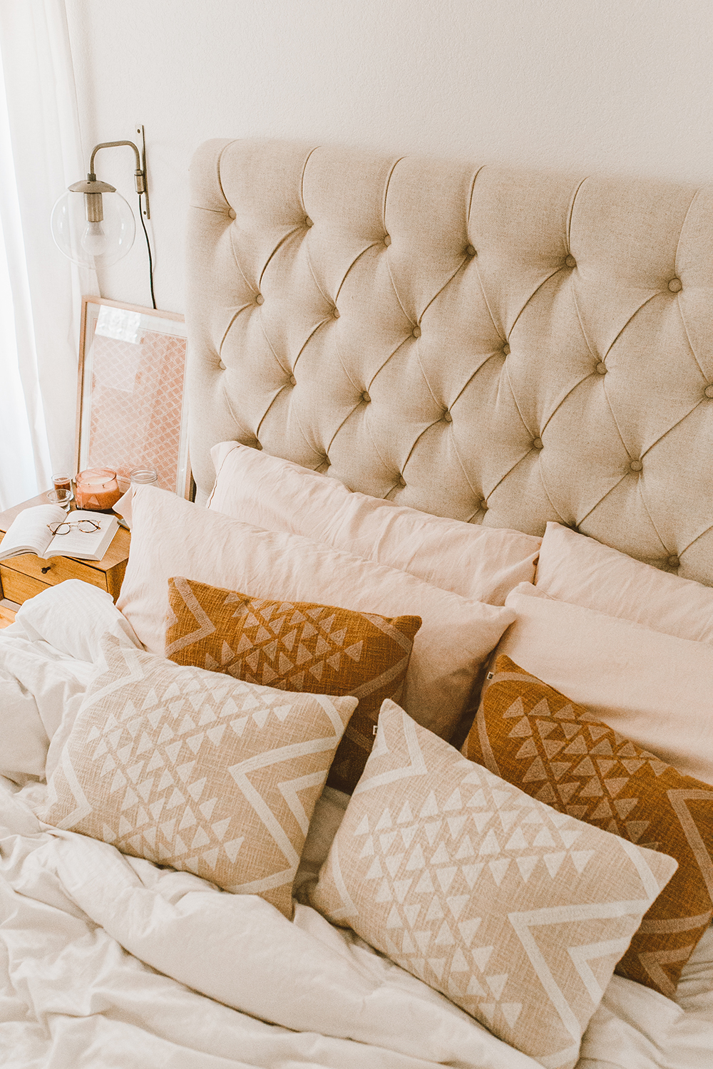 livvyland-blog-olivia-watson-austin-texas-lifestyle-blog-urban-outfitters-home-decor-bohemian-cozy-throw-pillows-bedroom-ideas-4