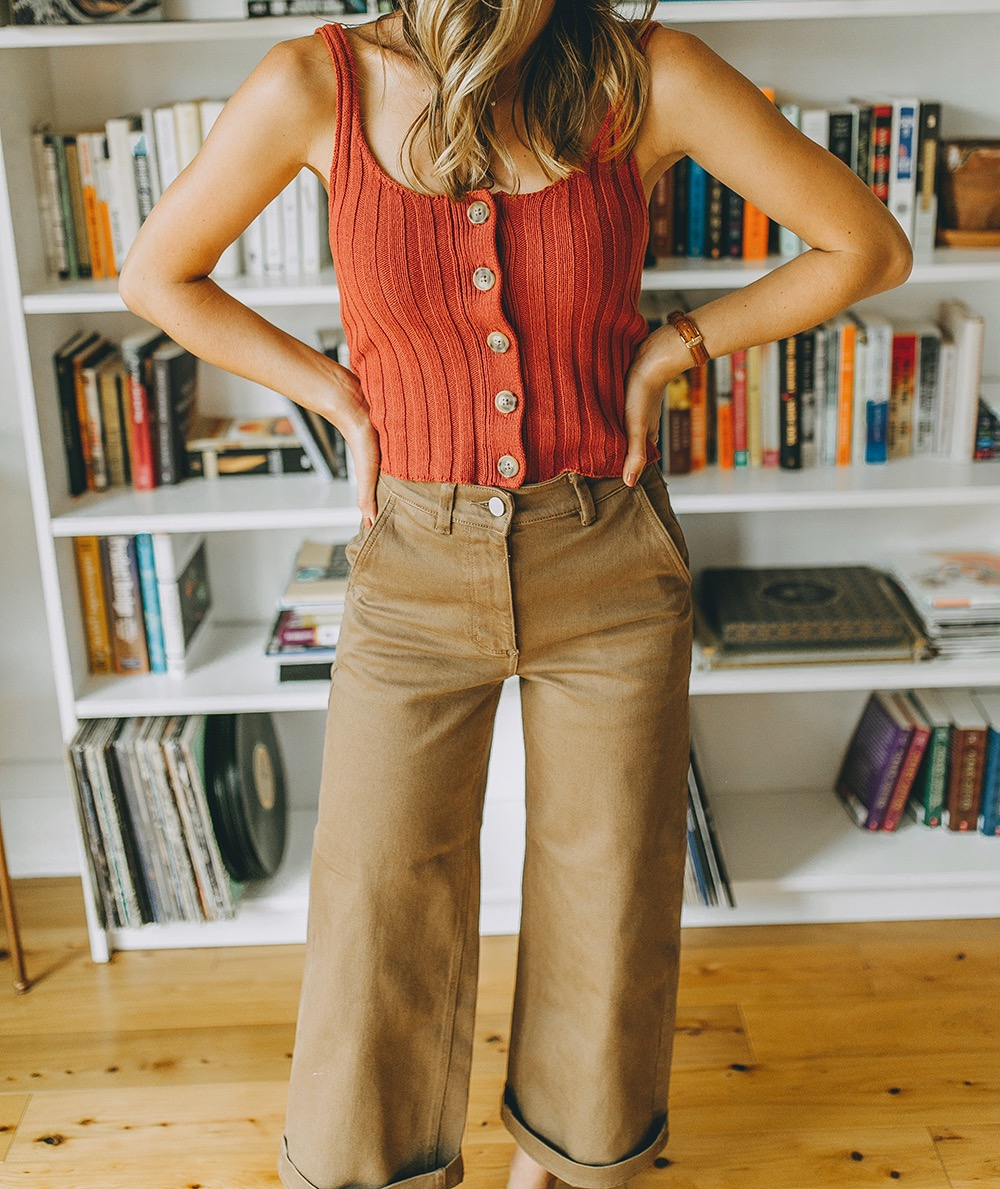 livvyland-blog-olivia-watson-everlane-wide-leg-crop-pant-ribbed-button-up-sweater-tank-austin-style-lifestyle-blogger-madewell-loafer-mule-6