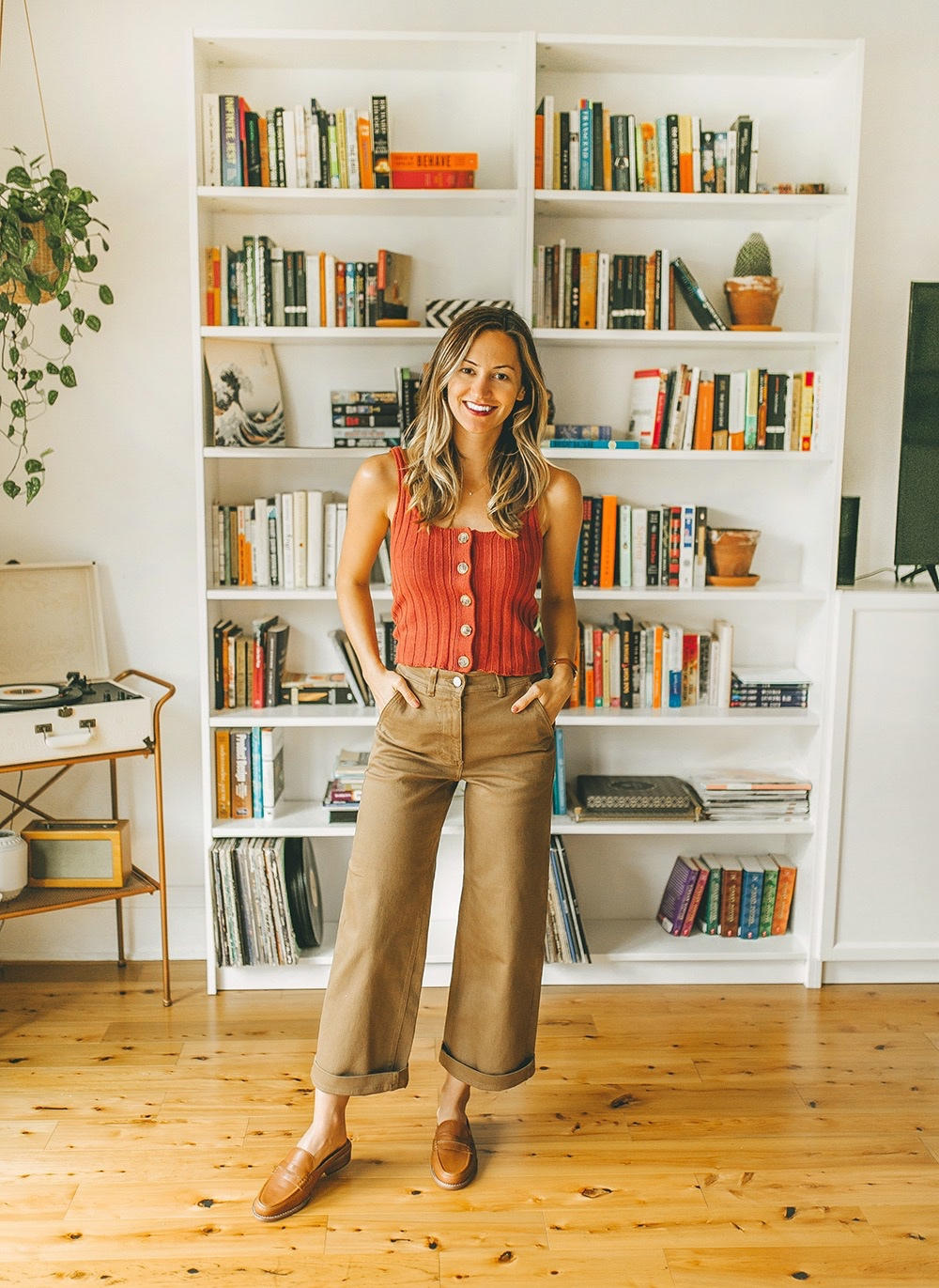 livvyland-blog-olivia-watson-everlane-wide-leg-crop-pant-ribbed-button-up-sweater-tank-austin-style-lifestyle-blogger-madewell-loafer-mule-9