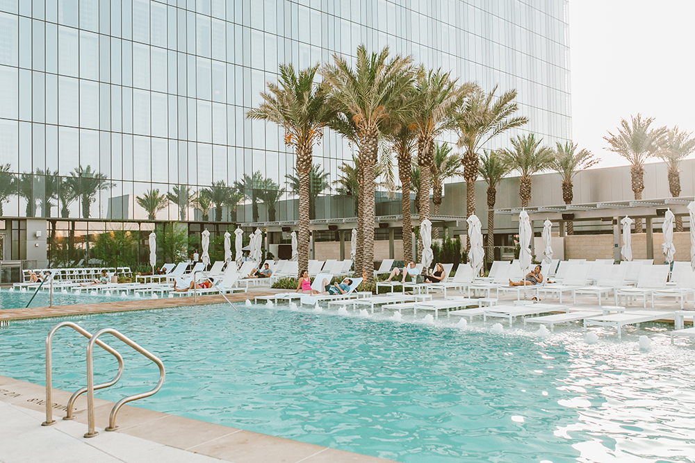 livvyland-blog-olivia-watson-austin-texas-lifestyle-blogger-fairmont-hotel-atx-downtown-rooftop-pool-1