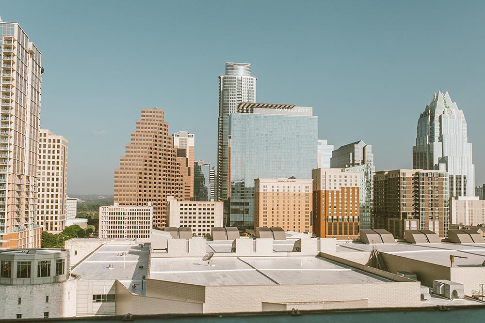 livvyland-blog-olivia-watson-austin-texas-lifestyle-blogger-fairmont-hotel-atx-downtown-skyline-view-pool